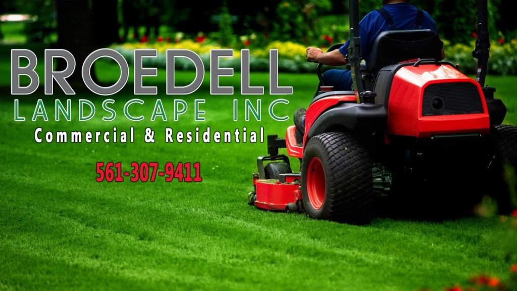 Commercial Lawn Service West Palm Beach, FL with team expert cutting lawn mower